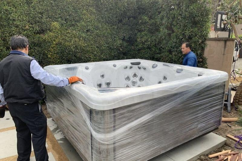 How to Move a Hot Tub When Moving Long Distance